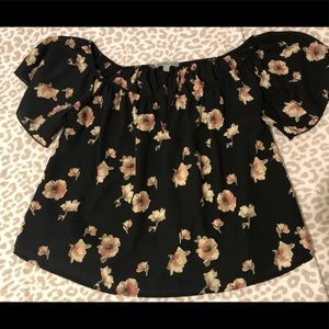 Flower patterned top